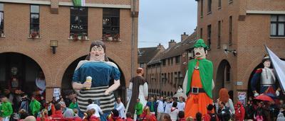 Mouscron: la pluie trouble la fête des Hurlus, mais les activités se  poursuivent - sudinfo.be